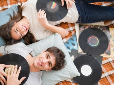 "Picture me and future hubby on the floor with our ""vintage"" records spread out on the floor like this... LOL Photo: http://www.menshealth.co.uk/"
